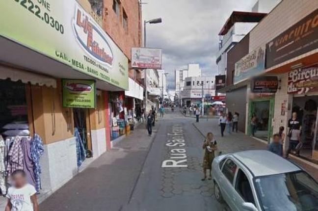 Padre é flagrado por câmera masturbando andarilho em Montes Claros - O jovem informou que receberia R$50 pela relação sexual